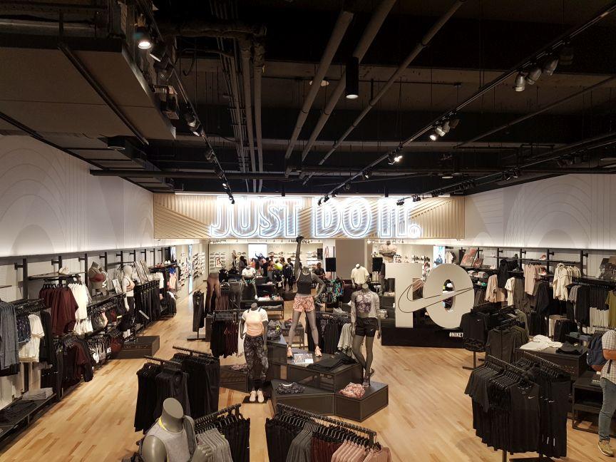 Nike Eaton Center Toronto
