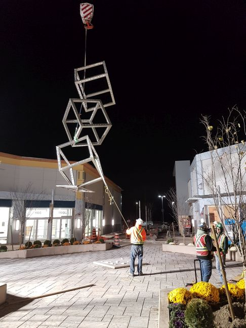 Toronto Premium Outlets SCULPTURE 2