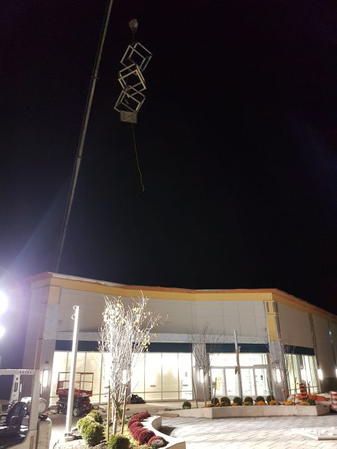 Toronto Premium Outlets SCULPTURE 3