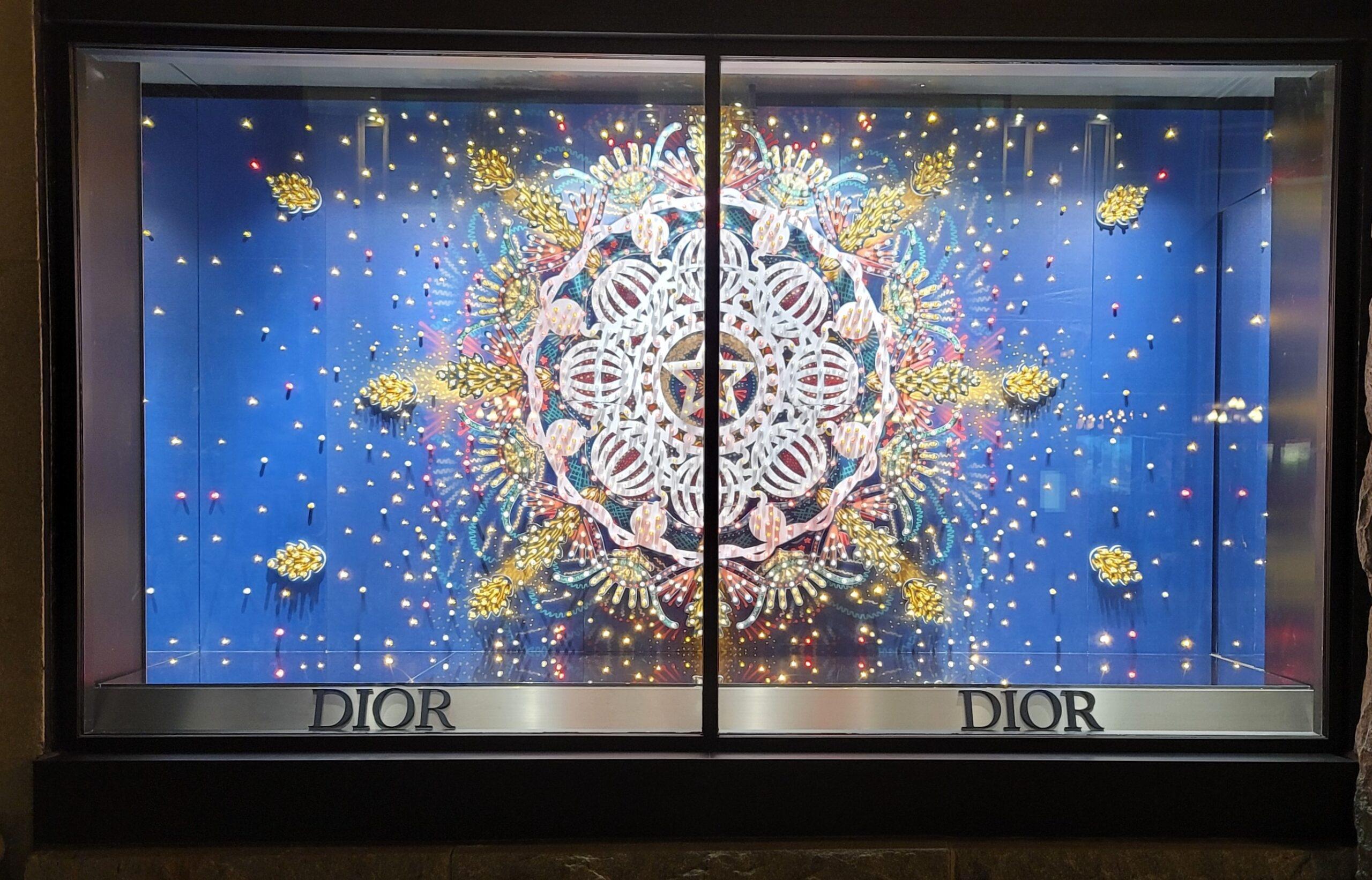 Christian Dior Holiday Display Exterior – Holt Renfrew – Ogilvy Montreal