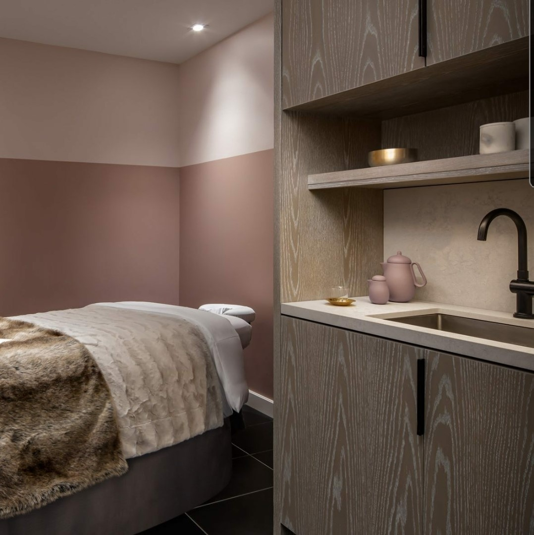 St Regis Hotel Treatment Room – Toronto